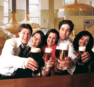 Gruppe mit Bier